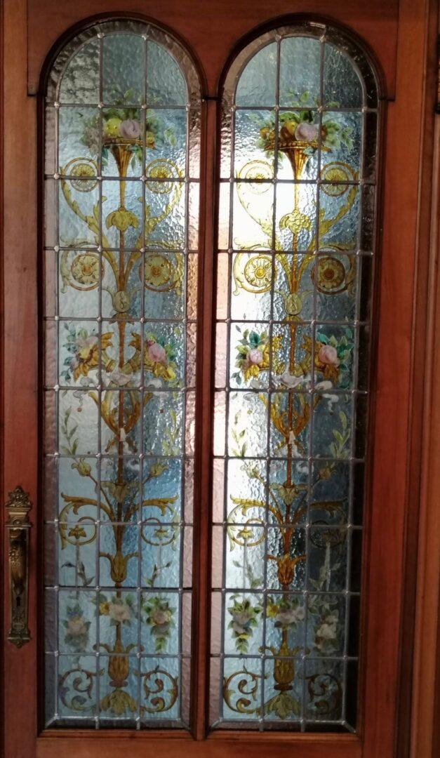 Herloden brandglas in deuren van historische stadswoning te Brussel - © Atelier Mestdagh