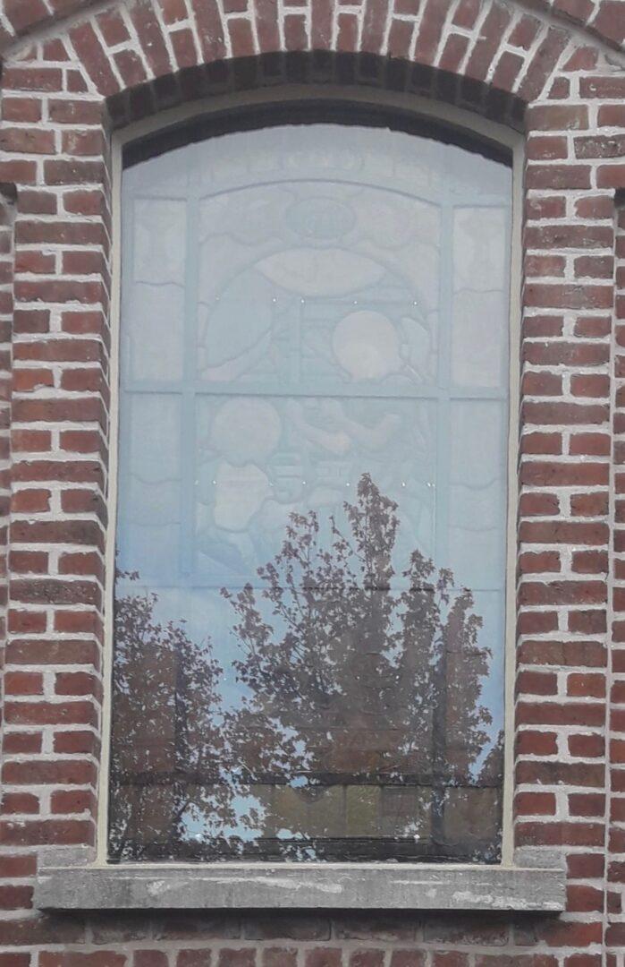 Voorzetglas glas in lood , Elisabethkapel te Zottegem - © Atelier Mestdagh