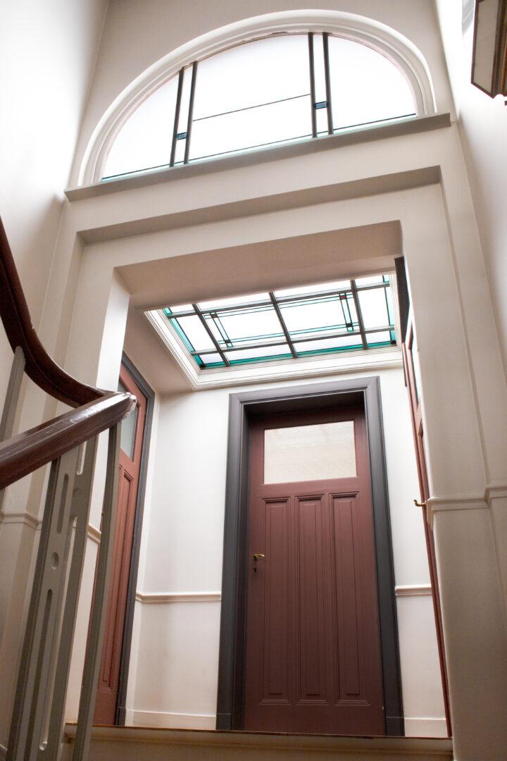 Modern glas-in-lood boven- en vlaklicht, privé-woning in Gent. Ontwerp: Ingrid Meyvaert (©Nadia El Makhfi)