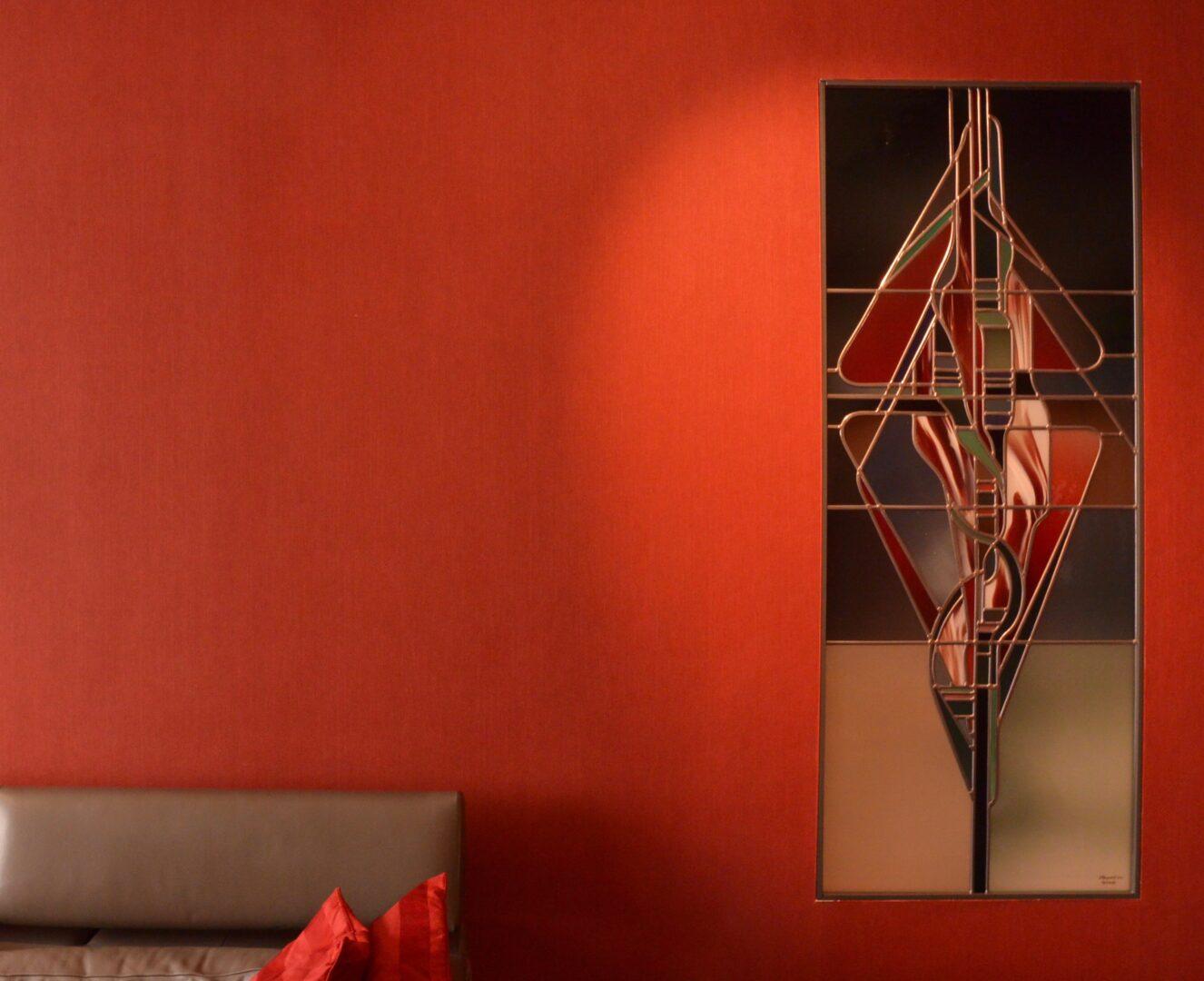 Lyrisch abstract glas-in-lood in wand ingewerkt in woning te Gent. Ontwerp: Ingrid Meyvaert © Atelier Mestdagh