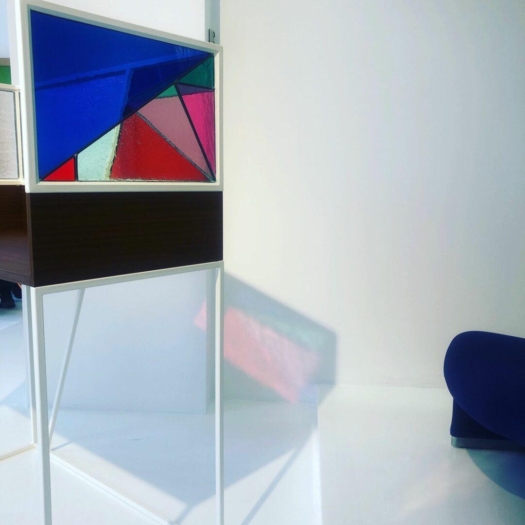 Schrijftafetje met glas-in-lood – ontw. Atelier Jack – © Atelier Mestdagh