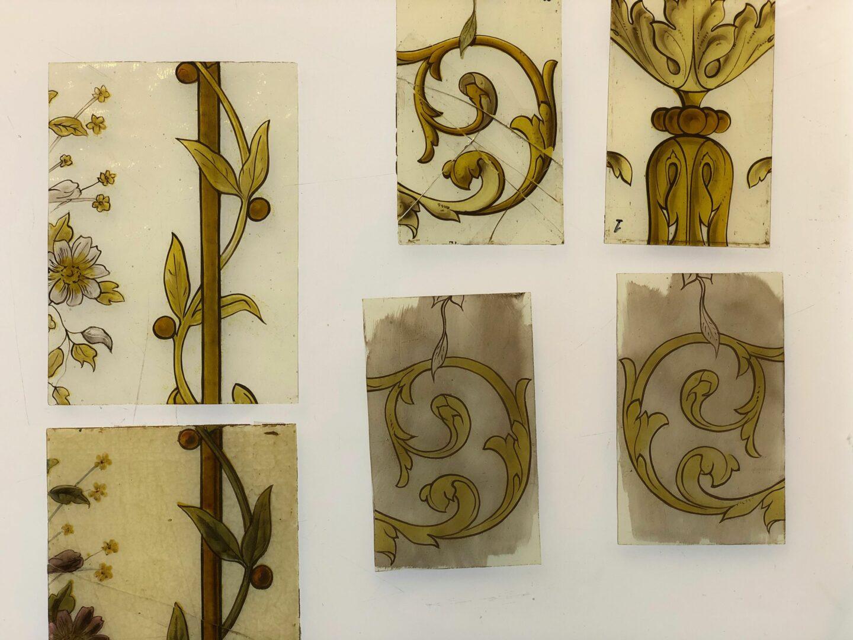 Reconstructiestukken 'à l'identique', met de hand geschilderd volgens de oude technieken - © Atelier Mestdagh stained glass